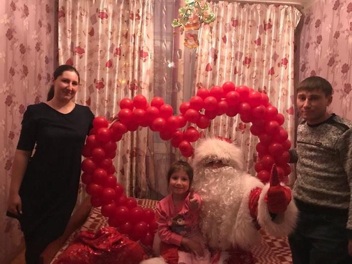 Кокшетауцев поздравляет с Новым годом Дед Мороз-альпинист