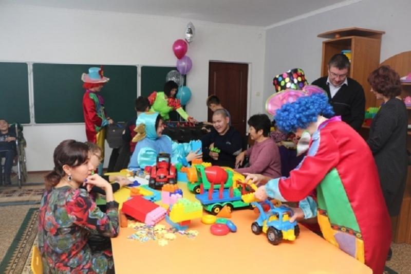 Современный реабилитационный центр для особенных детей открыли в Аксу