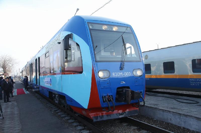 Из Шымкента в Туркестан можно доехать на скором поезде за 609 тенге
