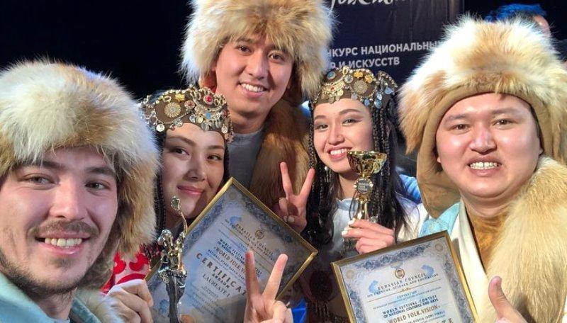 Казахстанский ансамбль «ХасСақ» стал лучшим на музыкальном фестивале World folk vision