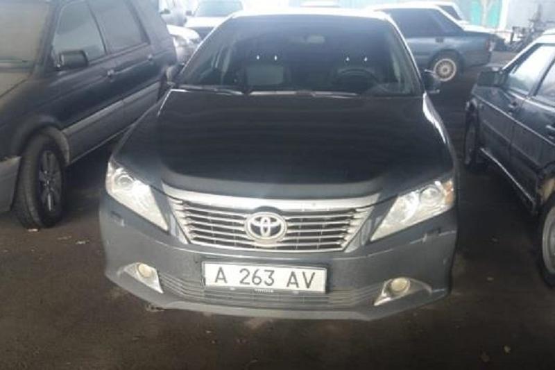 Автомобиль с «левыми» госномерами задержали в Алматы