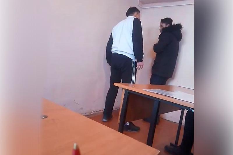 Алматы облысында директорға сөгіс беріліп, екі колледж оқытушысы жұмыстан босатылды