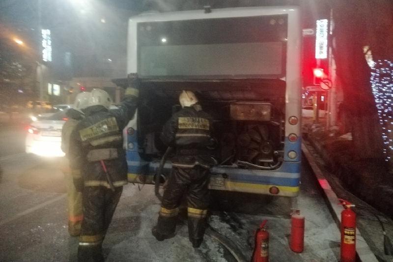 Короткое замыкание произошло в маршрутном автобусе Алматы