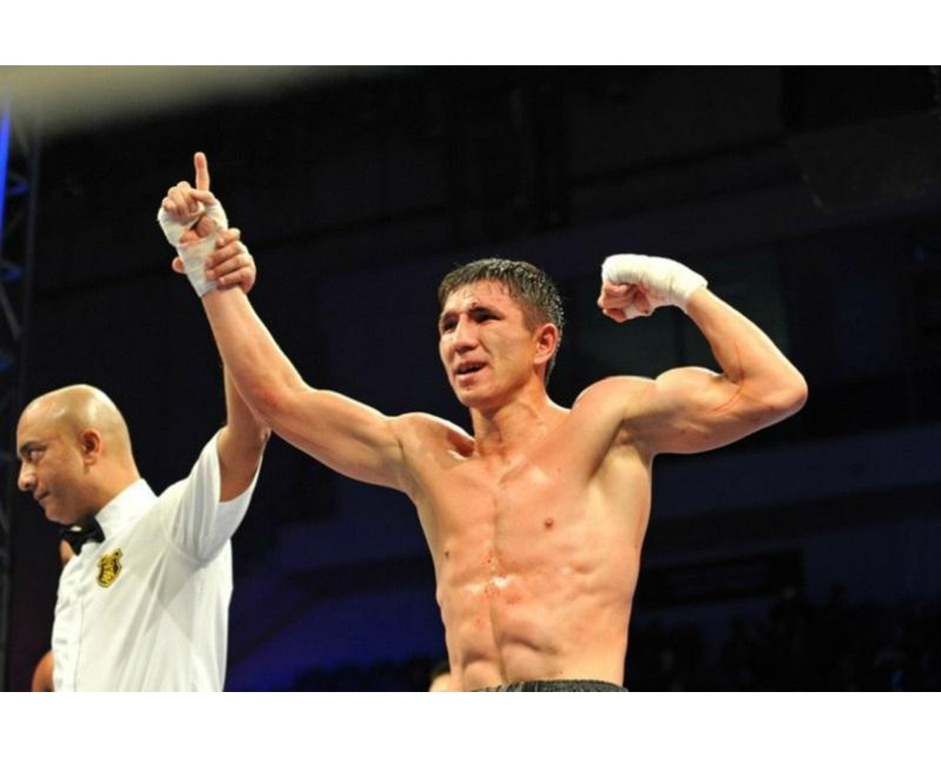 Two undefeated Kazakh pro boxers win big in U.S.