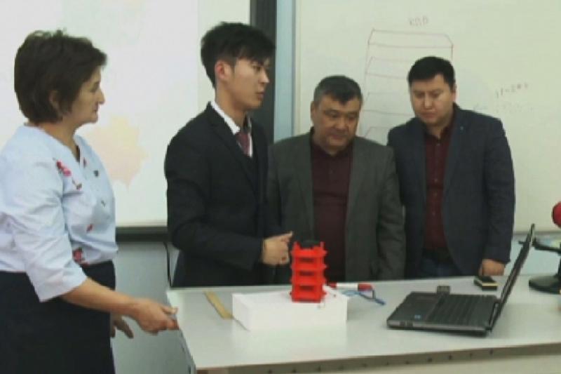 Кызылординский школьник изобрёл уникальный ветрогенератор