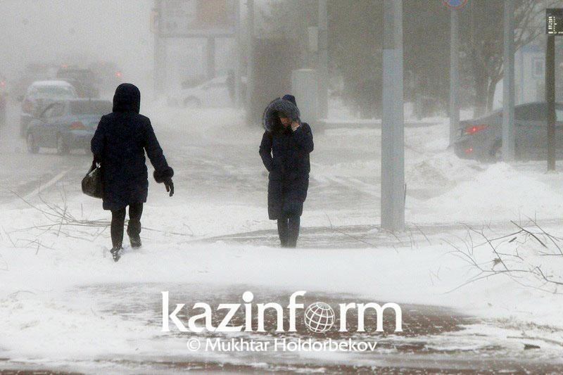Метель и усиление ветра прогнозируют 14 января в Казахстане