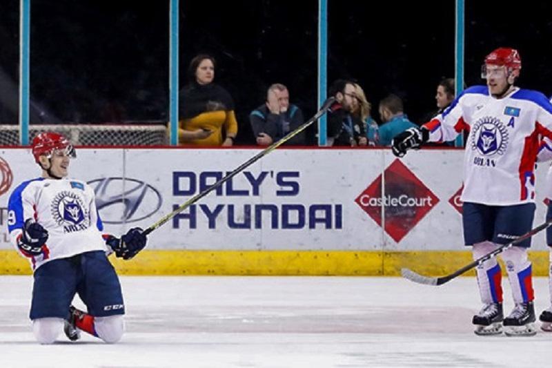 Қазақстандық хоккейшілер ел тарихында тұңғыш рет Құрлықтық кубокты иеленді