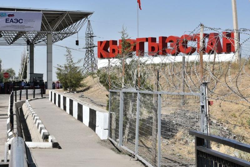 Выехать из Кыргызстана в Казахстан по поддельным паспортам пытались граждане Турции
