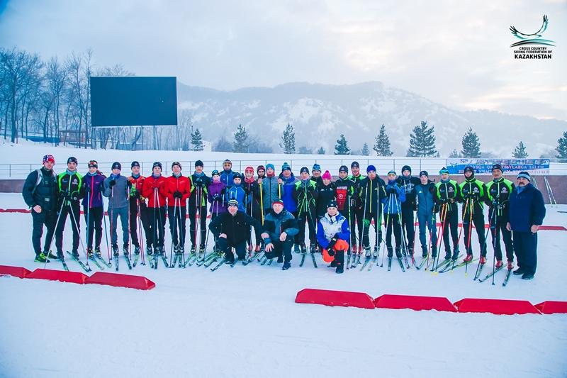 Главный тренер сборной Казахстана провел мастер-класс для юных лыжников