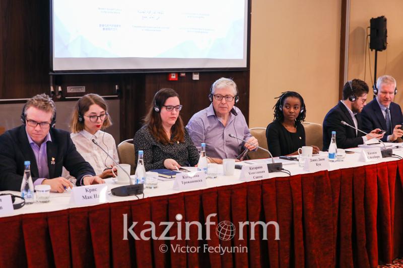 Казахстанскую литературу издадут на 6 языках ООН