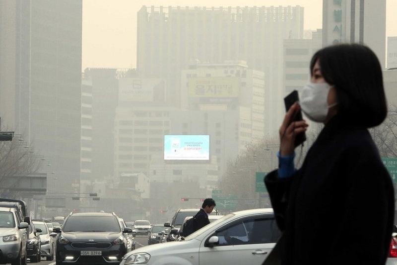 Сеул накрыл опасный для здоровья смог
