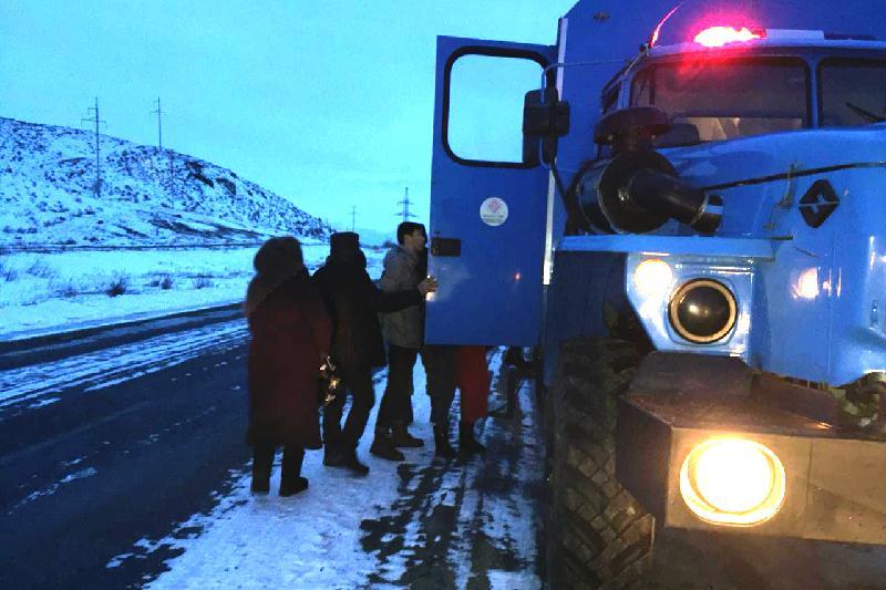 Алматы облысындағы тасжолда рейстік автобустан 22 жолаушы эвакуацияланды