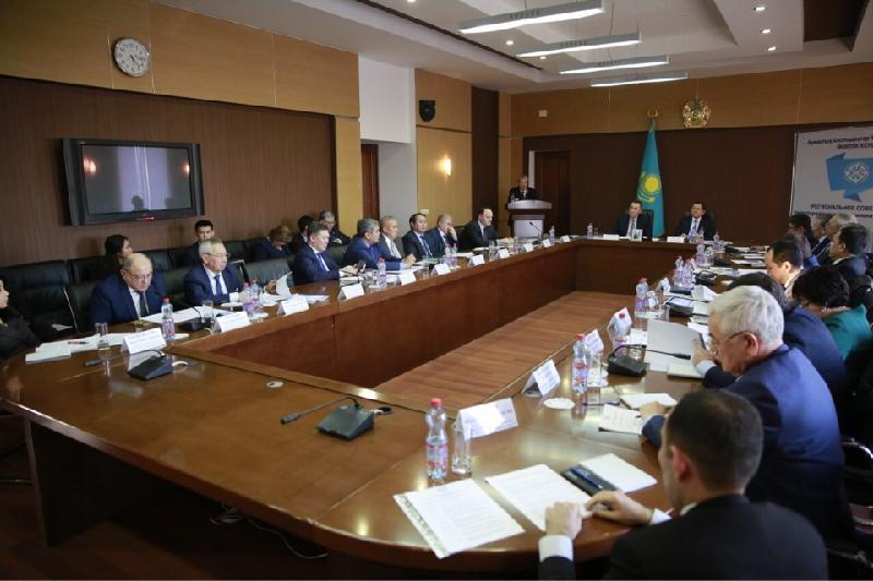 Профсоюзы пяти нефтяных регионов провели совещание в Атырауской области
