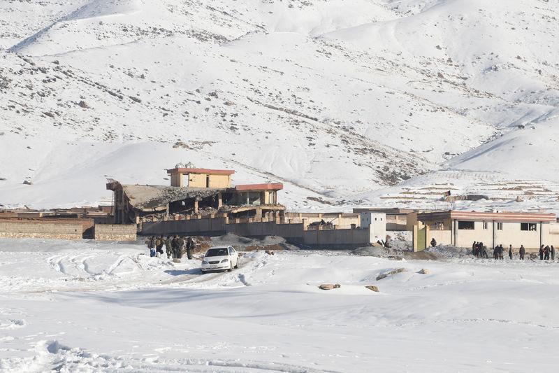 阿富汗情报部门:塔利班攻击军事基地造成36人死亡