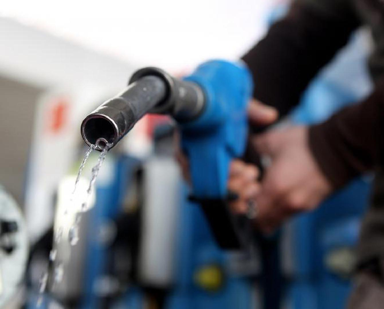 Казахстан перейдет на собственные бензин и дизтопливо с этого года - Ерболат Досаев