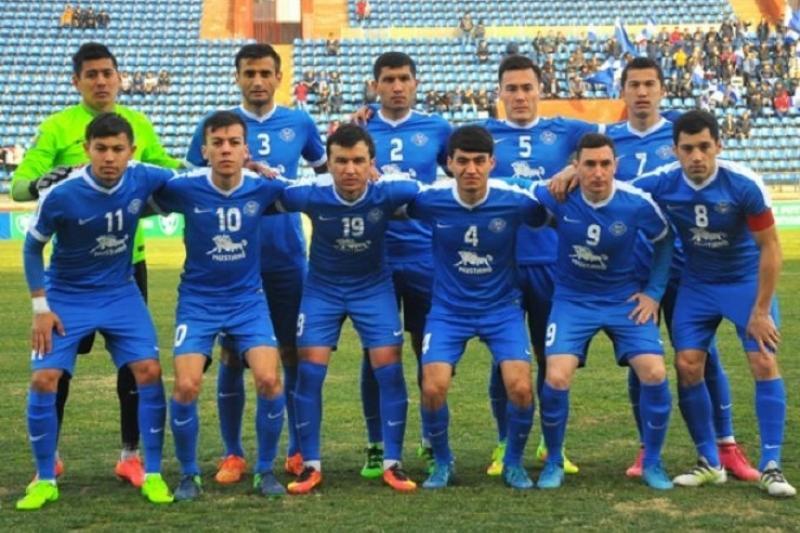 За походы по ночным клубам узбекских футболистов могут отстранить от футбола