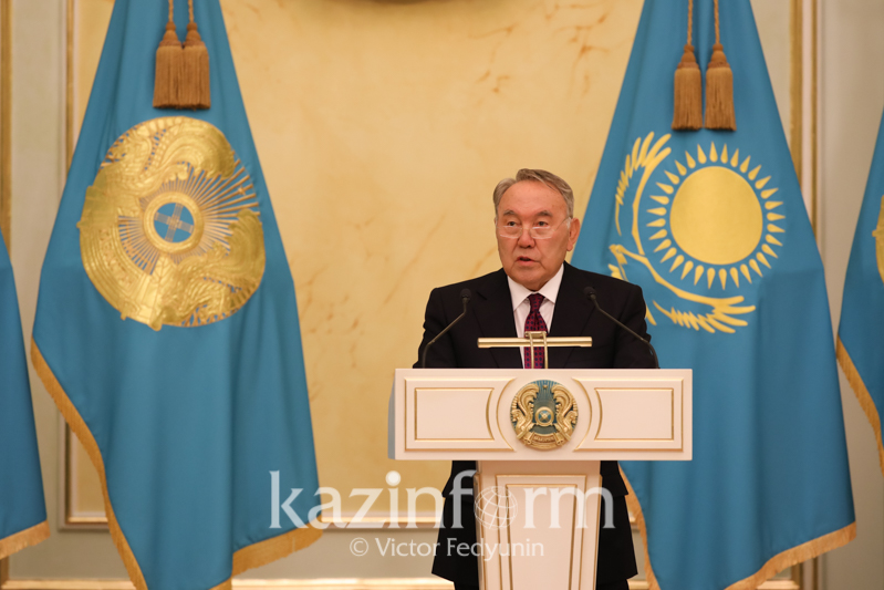 纳扎尔巴耶夫总统:国际社会应防止新的全球性危机发生