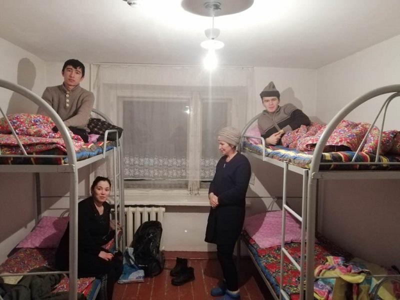 Более 40 граждан Узбекистана эвакуировали с трассы в Акмолинской области
