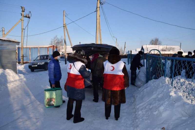 #ДелайДобро. Североказахстанская молодежь помогает убирать снег многодетным семьям