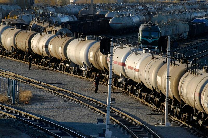 Kazakhstan to start exporting petroleum products to Central Asia
