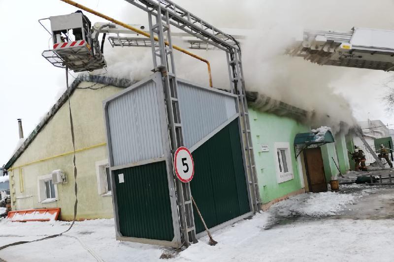 Автомойка едва не сгорела в Уральске