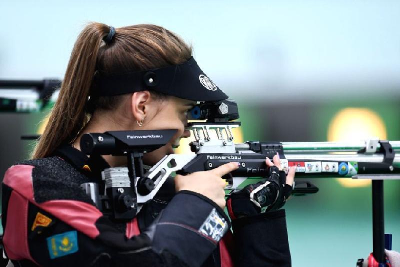 Казахстанка стала серебряным призером турнира по стрельбе в Кувейте