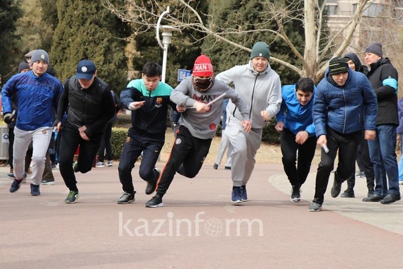 哈萨克斯坦驻华使馆在京组织友谊接力赛庆祝青年年