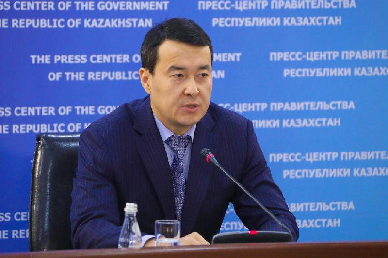 Әлихан Смайылов Елбасы Үкімет отырысында протоколды неліктен бұзғанын түсіндірді