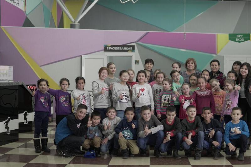 #ДелайДобро. День развлечений подарили шымкентским детям-сиротам чиновники