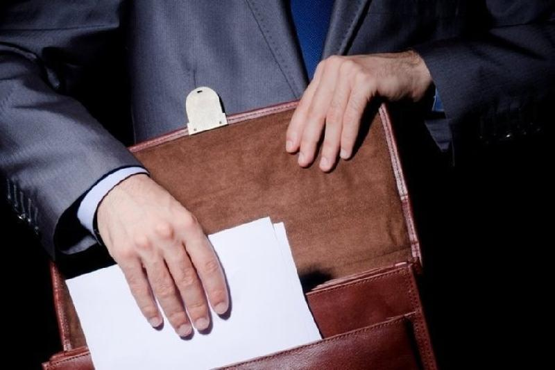 Чиновника заподозрили в занятии бизнесом в СКО