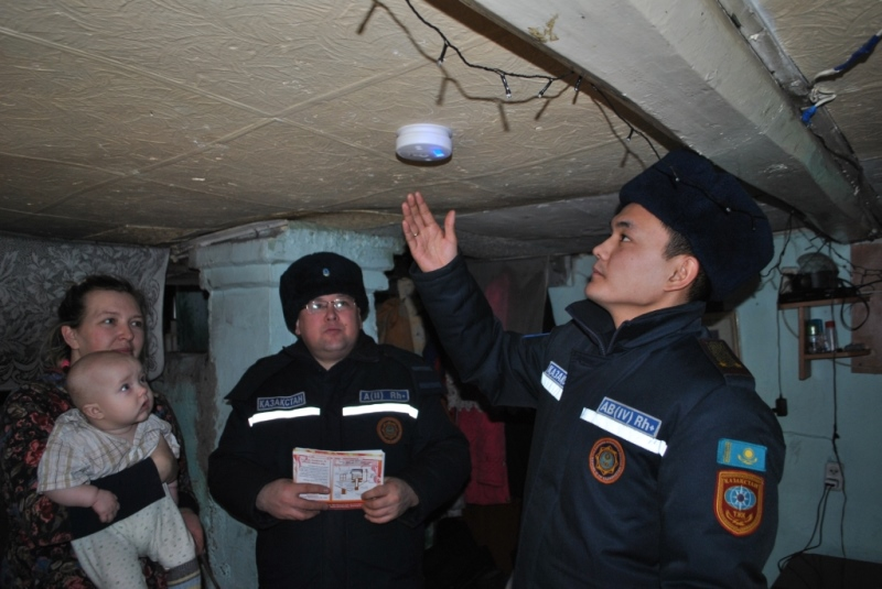 Газоанализаторы устанавливают в домах многодетных семей в СКО