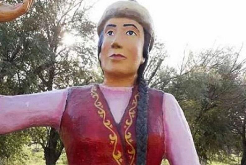 Скульптуру девушки прокомментировали в акимате Кызылорды