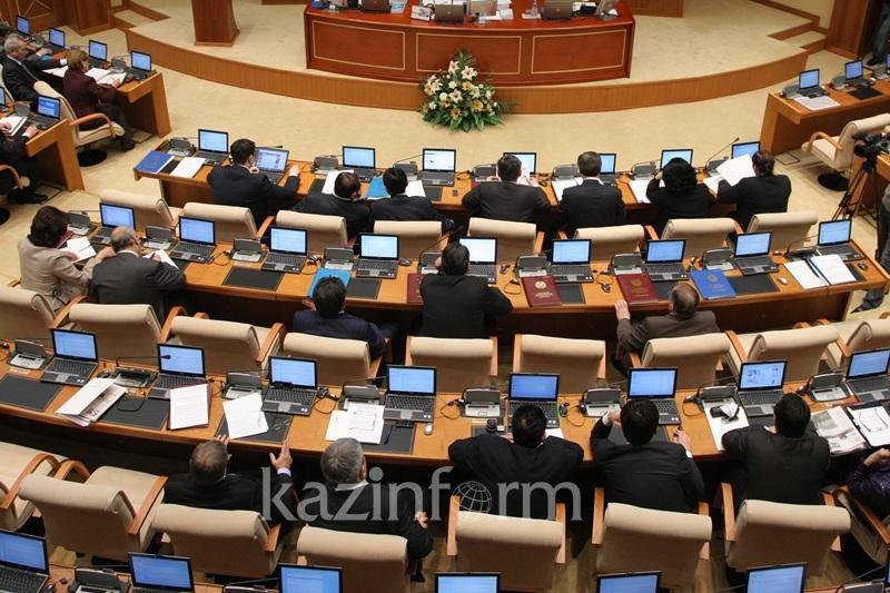 Кто стал депутатом Мажилиса вместо Серика Сапиева