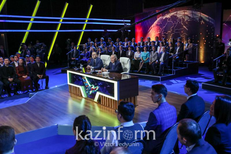 President Nazarbayev meets with winners of 100 New Faces project