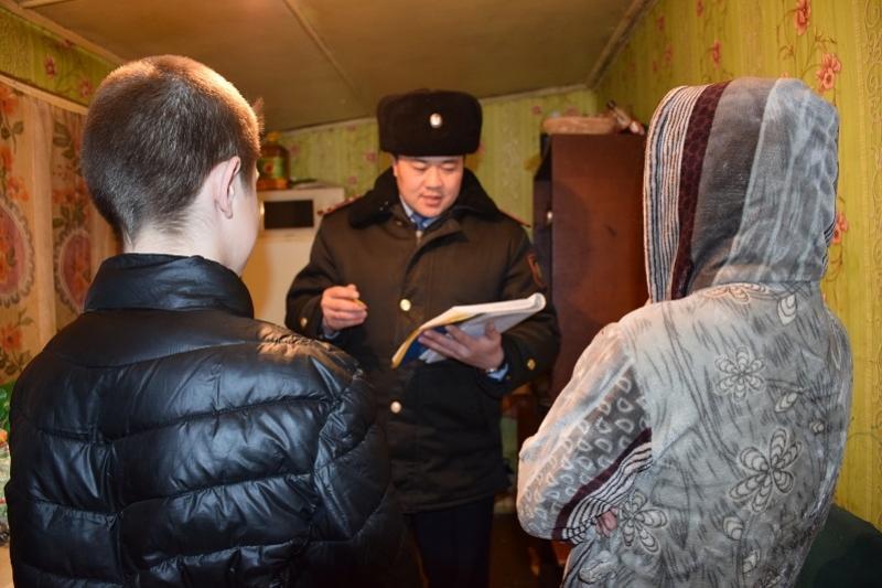 Состоящих на учете подростков и родителей проверяют в Акмолинской области
