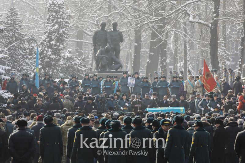 Сослуживцы воздали почести легендарному Кара майору