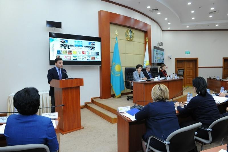 Депутаттар мұғалім мәртебесі туралы заң жобасын талқылады