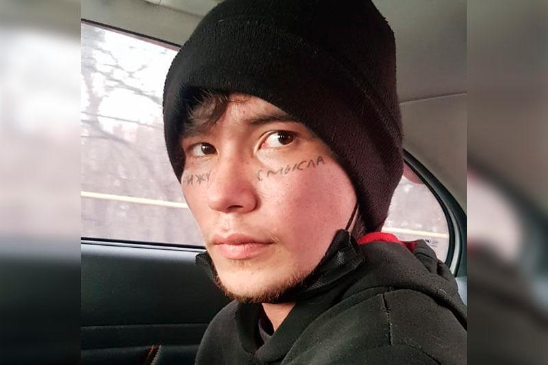 Актер с татуировкой на лице задержан в Алматы за мошенничество