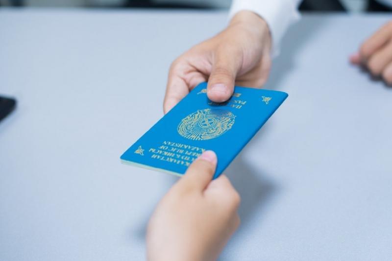 Ребенка лишили гражданства Казахстана без согласия отца