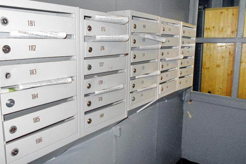 Почтовые ящики открыто похищают из подъездов домов в Усть-Каменогорске