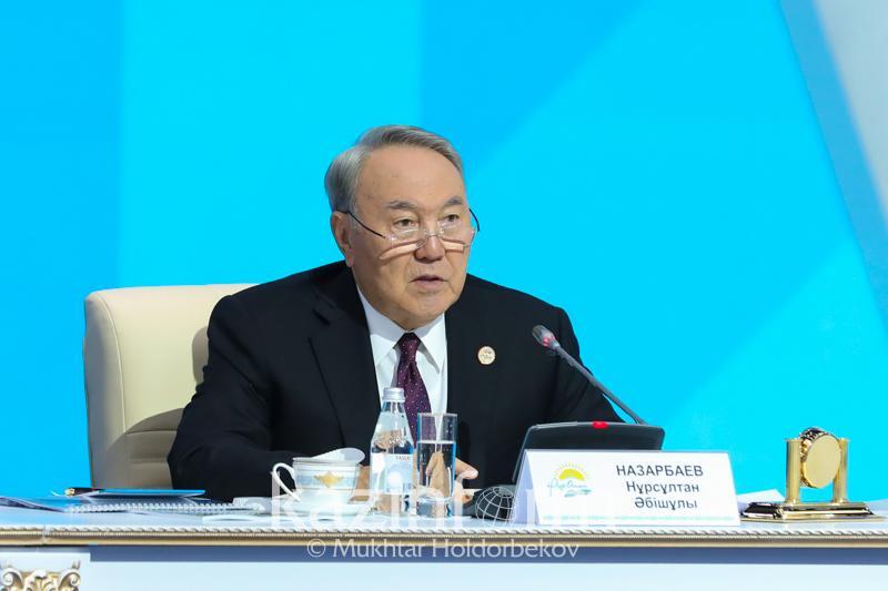 В Казахстане не должно быть детских домов - Нурсултан Назарбаев