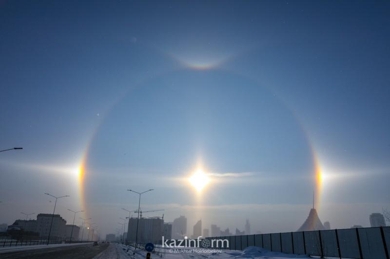 """阿斯塔纳出现罕见""""幻日""""天相 仿佛三个太阳挂在天空"""