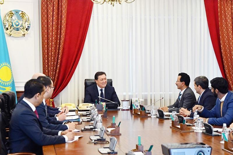 哈萨克斯坦总理会见迪拜环球港务集团CEO