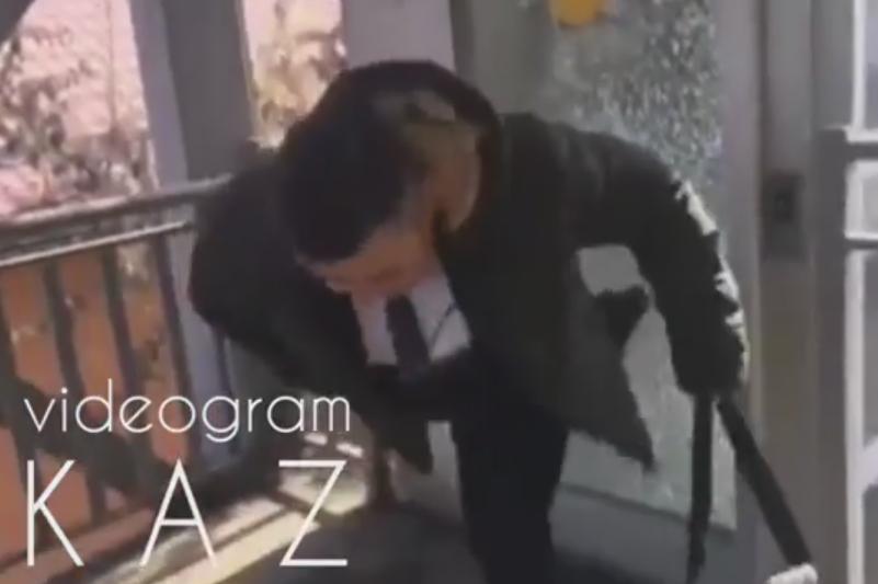 Полиция нашла разбившего витрину надземки в Алматы
