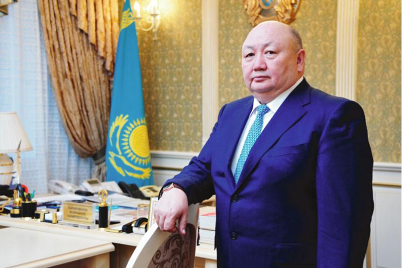 泰梅尔丁诺夫出任最高法院法官