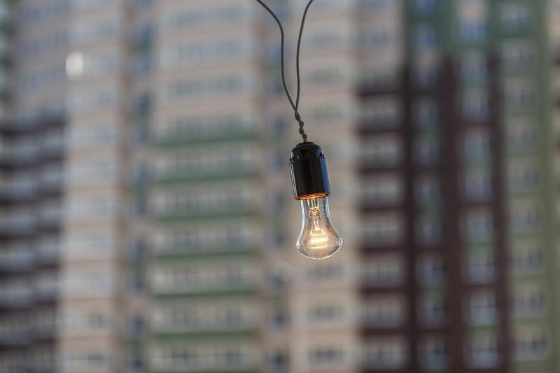 ШҚО-ның электр бағандары құлаған ауылға жарық берілді