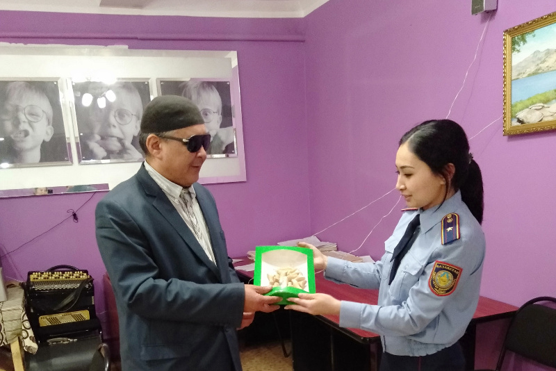 «Ручку на вес золота» для слабовидящих изготовили в Павлодаре