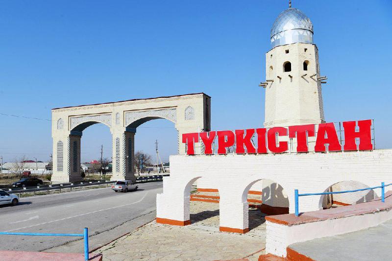 政府总理视察突厥斯坦州