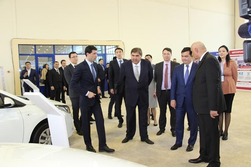 Kazakhstan showcases its products in Uzbekistan