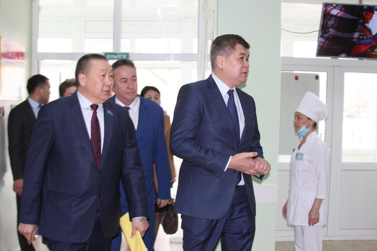 225 мың медицина қызметкерінің жалақысы 30% өседі - Елжан Біртанов